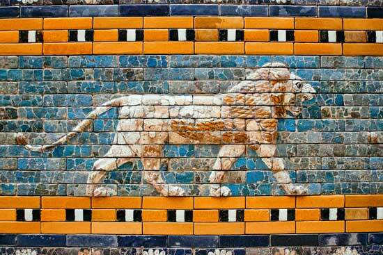 Portrait of a lion with 2 eagle's wings on the Ishtar gate of Babylon as we study 2nd angel's message in Revelation 14